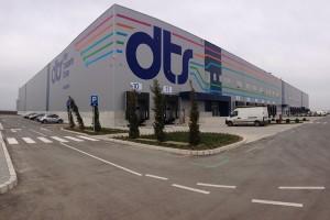 Spoljno brendiranje magacina DTS-a u Staroj Pazovi